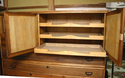 きれいになった100歳の家具 _f0171785_1811469.jpg