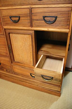 きれいになった100歳の家具 _f0171785_183380.jpg