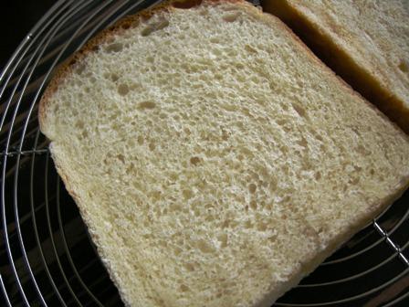 食パンもげました・・・_e0167593_0585033.jpg