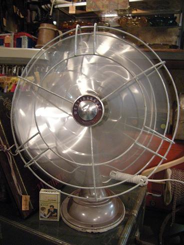 扇風機2_b0120103_1938141.jpg