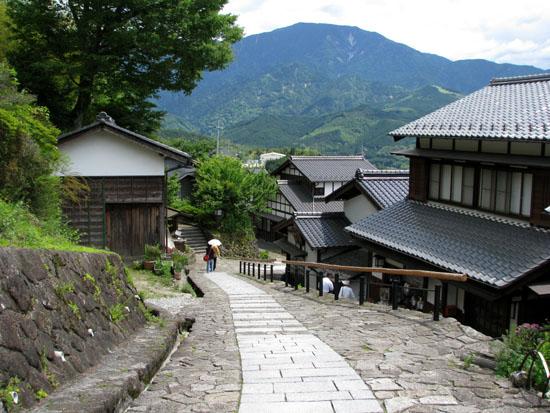 木曽路を歩く 1.馬籠宿_e0048413_11423127.jpg