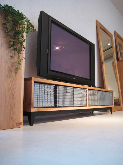 TV BOARD_c0146581_17211749.jpg