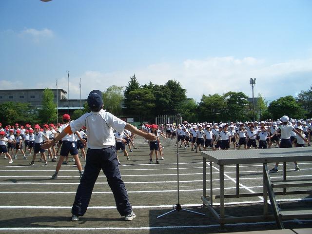 英語のラジオ体操で始まった運動会_f0141310_239376.jpg