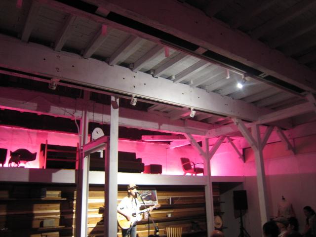SYDさんのライブでしたとDADOの家具展は10日から。_b0137082_1148274.jpg