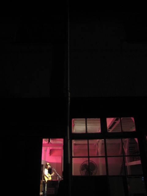SYDさんのライブでしたとDADOの家具展は10日から。_b0137082_11515793.jpg