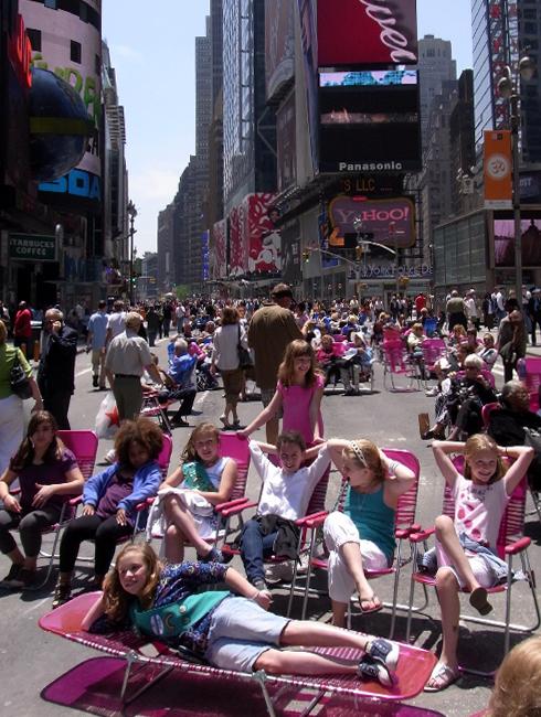 変わらないために、変わり続ける Traffic-Free Broadway in Times Square_b0007805_1013166.jpg