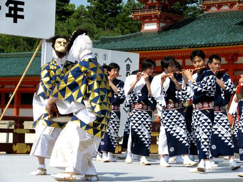 平安神宮ー京の祭り舞台_e0048413_2247662.jpg
