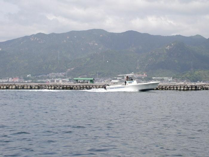 宮島の西側の海で釣り_c0116915_18594757.jpg