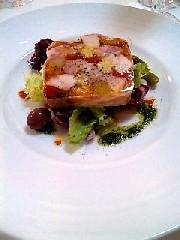 新しいフランス料理屋さんです。_e0110119_17521519.jpg