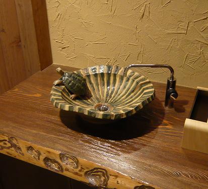 農家レストランに洗面鉢を_b0135432_9415217.jpg