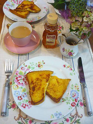 日曜日の朝ごはんは フレンチトースト^^ ..。.゚。*・。☆_a0053662_9431984.jpg