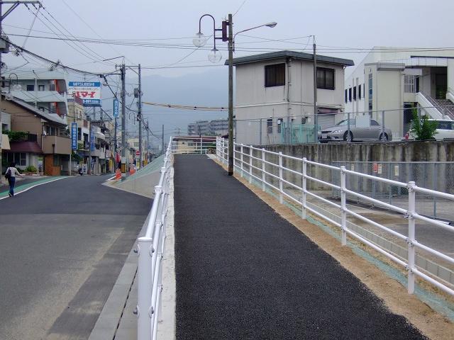 JR海田市駅前北口通りの道路改良・拡張工事終了_b0095061_8371369.jpg
