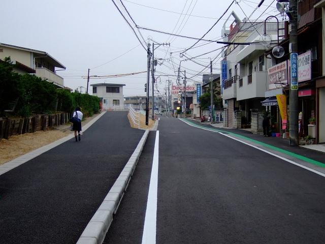 JR海田市駅前北口通りの道路改良・拡張工事終了_b0095061_8392635.jpg
