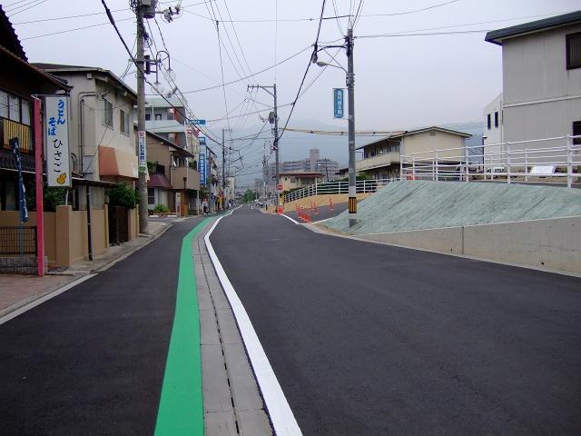JR海田市駅前北口通りの道路改良・拡張工事終了_b0095061_841546.jpg