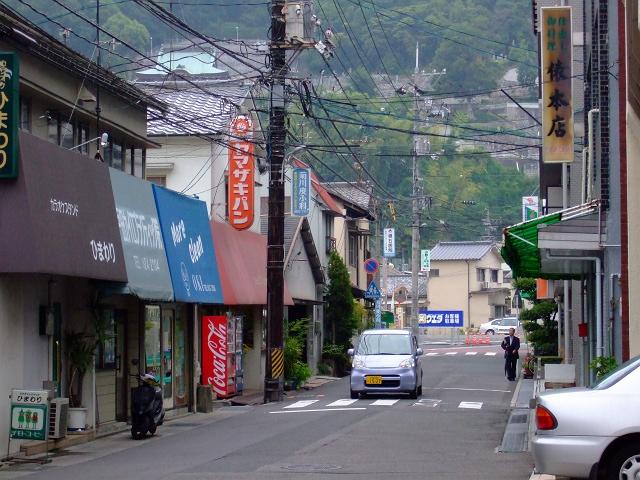 JR海田市駅前北口通りの道路改良・拡張工事終了_b0095061_8444855.jpg
