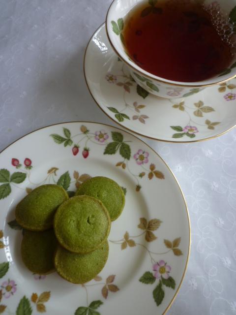 抹茶サブレとアッサムティ_b0170162_11375460.jpg