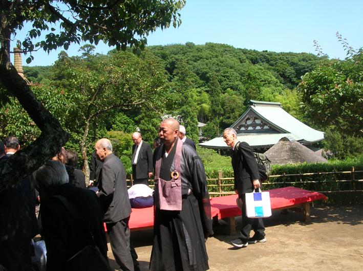 北鎌倉の神々の取り扱いを龍隠庵が了承_c0014967_194973.jpg