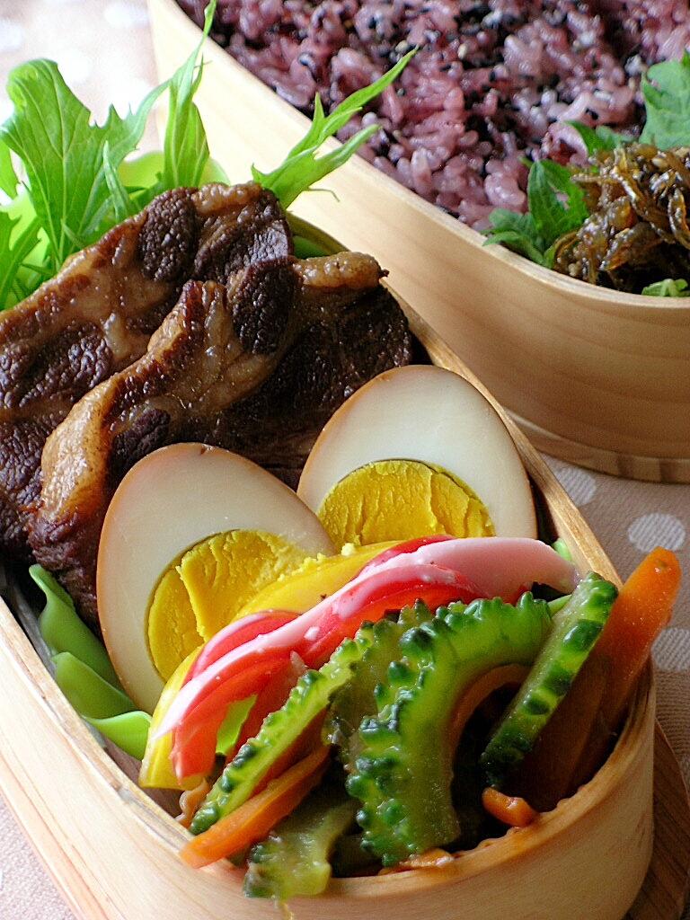 レシピ付き♪黒酢煮玉子と煮豚のお弁当_b0171098_9484427.jpg