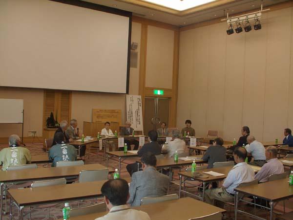 総会の後に講演会を開催しました_e0122208_21545214.jpg