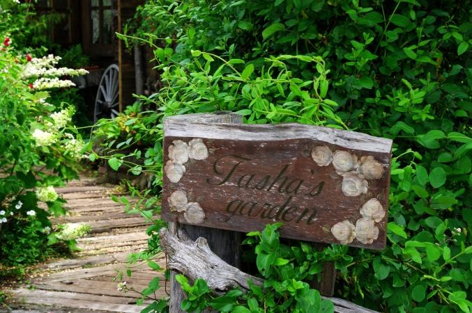 「ターシャの庭」にて ~花フェスタ記念公園~_d0145934_1058927.jpg