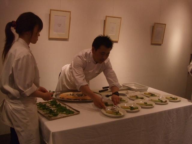 お祝いの「お食事会」_e0120789_0223382.jpg