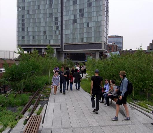 ニューヨークに空中公園ハイラインがついにオープン! The High Line_b0007805_1119888.jpg