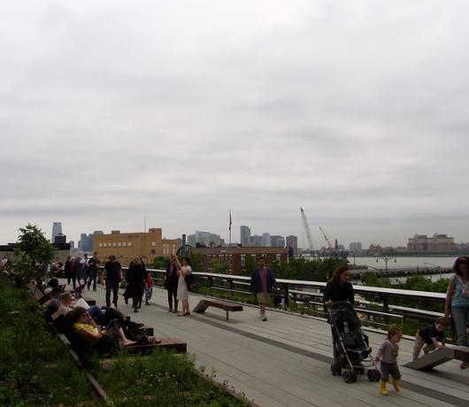 ニューヨークに空中公園ハイラインがついにオープン! The High Line_b0007805_1159737.jpg