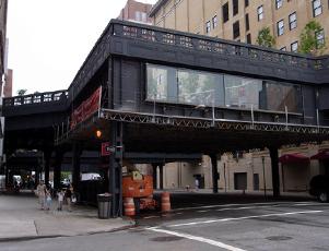 ハイラインの上にできた展望台スペース 10th Avenue Square_b0007805_7505226.jpg