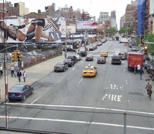 ハイラインの上にできた展望台スペース 10th Avenue Square_b0007805_95812.jpg
