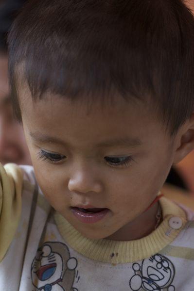 ベトナム、ハロン湾(3)水上生活_d0148902_2565456.jpg