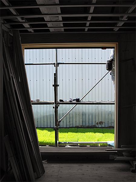 090615 窓からの景色_b0129659_8124511.jpg