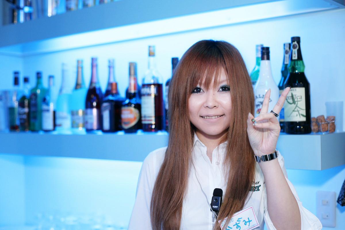 girls bar_f0021869_0523740.jpg