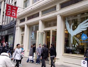 ニューヨークで見かけるユニクロのマーケティング事例まとめ_b0007805_21437.jpg