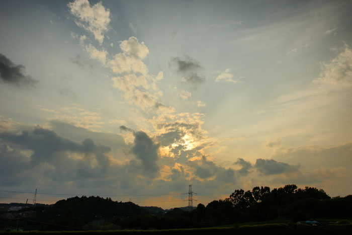 爆裂系の夕_e0077521_2212142.jpg