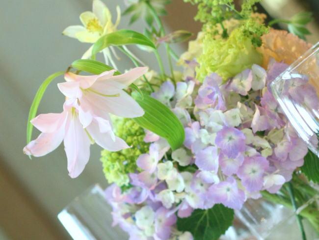 シェ松尾天王洲倶楽部様の装花  苧環_a0042928_22555739.jpg