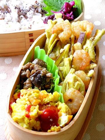 海老とサツマイモの天ぷら弁当_b0171098_9402134.jpg