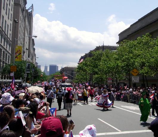 NYのプエルトリカンデー・パレード Puerto Rican Day Parade_b0007805_11244487.jpg
