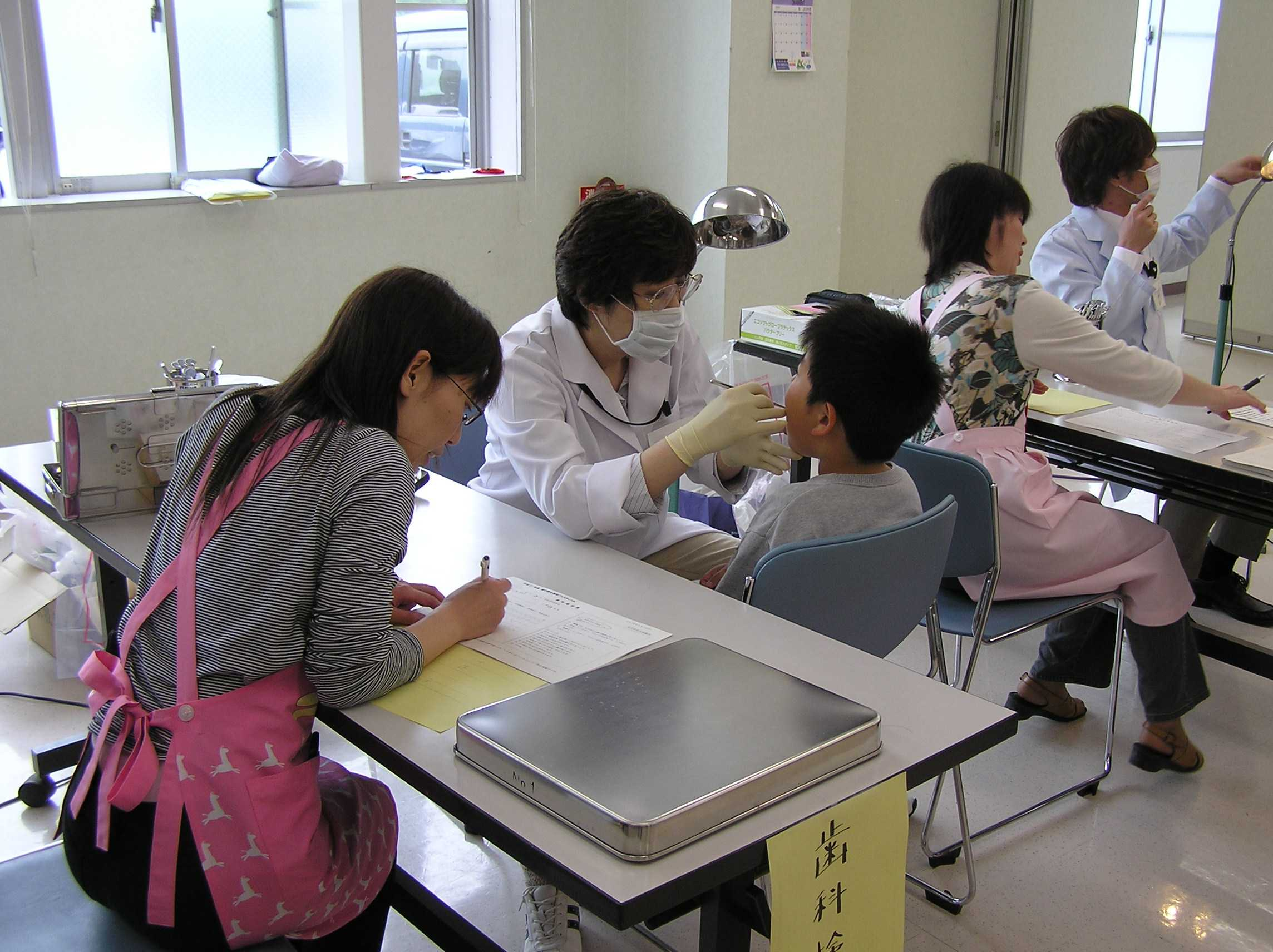 平成21年度 歯の衛生週間フェスティバル 当日の様子_f0077938_1435669.jpg