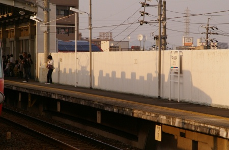 名鉄 パノラマカーのいる風景 ~夕景と往来と~_c0185241_125619.jpg