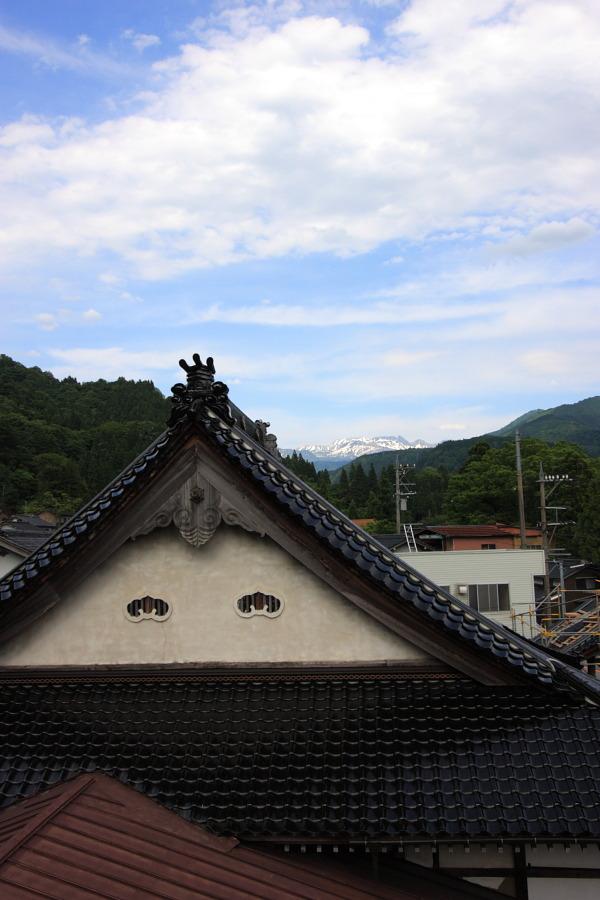「寺と立山と鬼瓦」_b0157849_042992.jpg