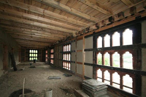 ブータン建築紀行 17:改修工事中の民家  3_e0054299_16523100.jpg