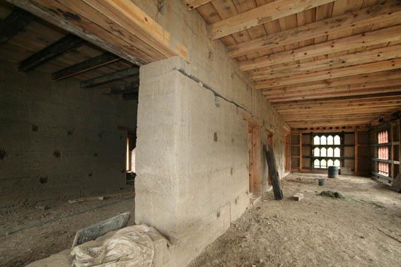 ブータン建築紀行 17:改修工事中の民家  3_e0054299_1653330.jpg