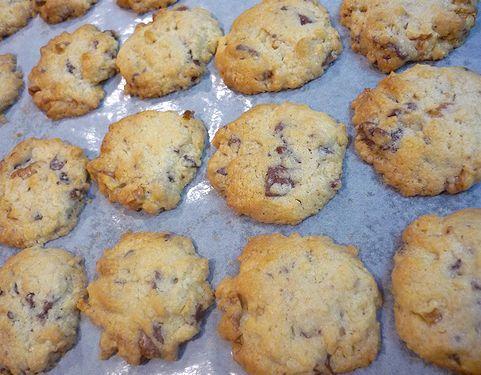 贈る心。。。Mini Maria\'s Tea Cup 特製 くるみのチョコチップクッキー♪..。.゚。*・。♡  _a0053662_182353.jpg