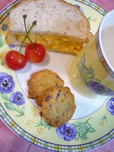 贈る心。。。Mini Maria\'s Tea Cup 特製 くるみのチョコチップクッキー♪..。.゚。*・。♡  _a0053662_18334479.jpg