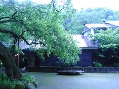 東中野ー高円寺ー天山の旅へ &箱根情報_e0142868_186065.jpg