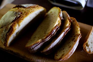 ダッチオーブンでカンパーニュ(酒粕酵母10%+イースト0.1%)_c0110869_2253543.jpg