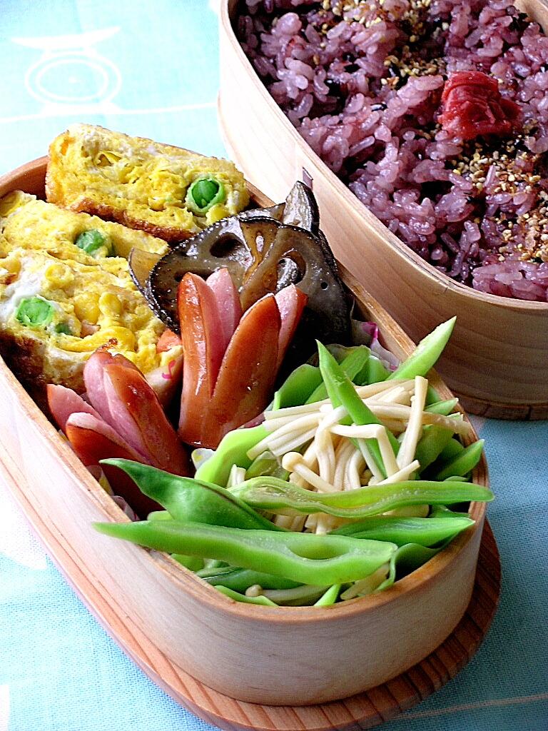 黒米と家にあるものオンパレードお弁当。。。_b0171098_8271559.jpg