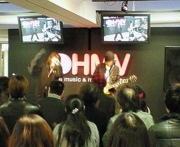 横浜HMV:インストアライブ☆_b0183113_0394070.jpg