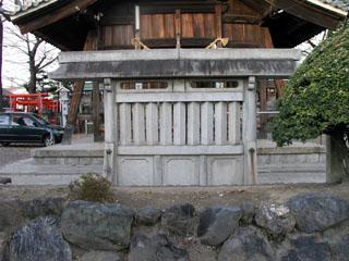 石造連子窓型蕃塀の規模(屋根長—2)_e0113570_0533228.jpg