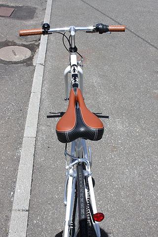リーズナブルなクロスバイク_e0126901_13565990.jpg